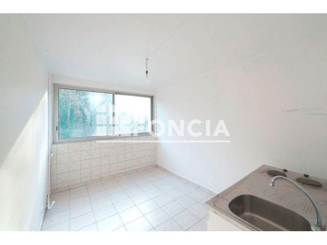 appartement 1 pi ce vendre melun 77000 m2 foncia. Black Bedroom Furniture Sets. Home Design Ideas