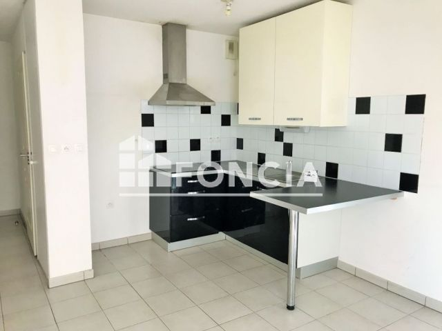 appartement 1 pi ce vendre nimes 30000 24 m2 foncia. Black Bedroom Furniture Sets. Home Design Ideas