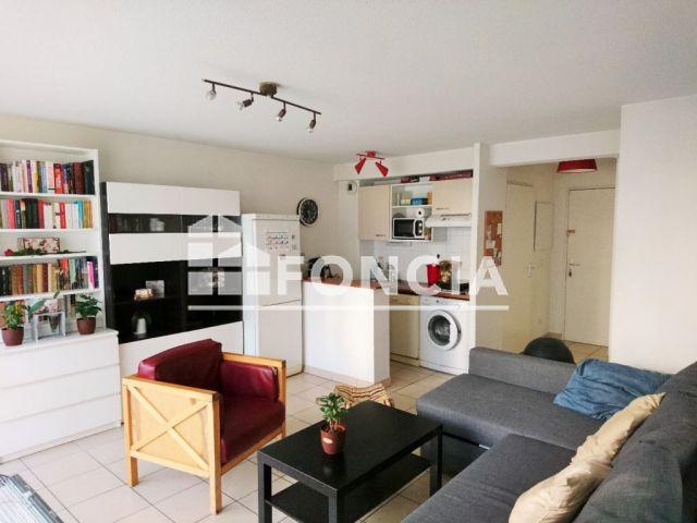 Appartement 2 pi ces vendre bordeaux 33000 for Achat appartement bordeaux 4 pieces