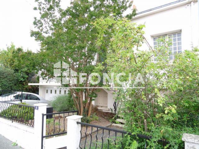 maison 6 pi ces vendre la roche sur yon 85000 125. Black Bedroom Furniture Sets. Home Design Ideas