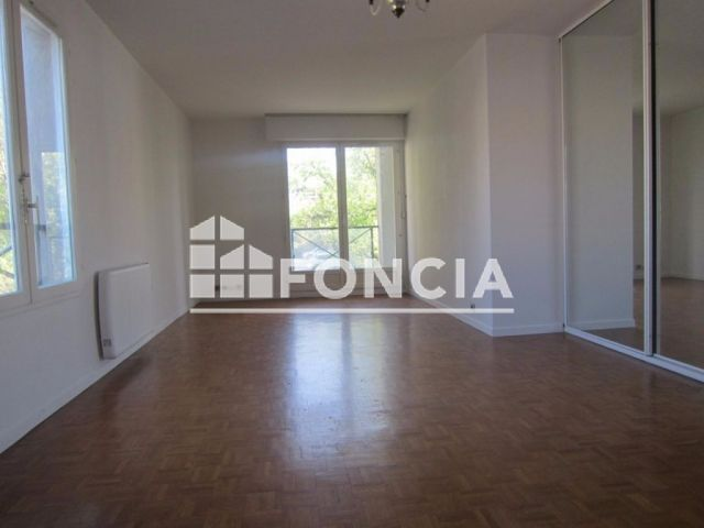 appartement 2 pi ces vendre rueil malmaison 92500 52 m2 foncia. Black Bedroom Furniture Sets. Home Design Ideas