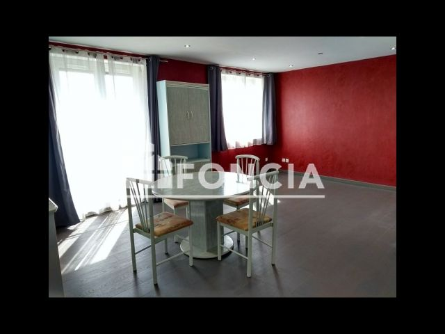 appartement 4 pi ces vendre melun 77000 m2 foncia. Black Bedroom Furniture Sets. Home Design Ideas