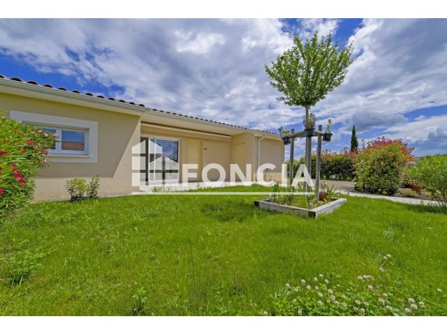 Maison 3 pi ces vendre uzes 30700 78 m2 foncia for Construction maison uzes