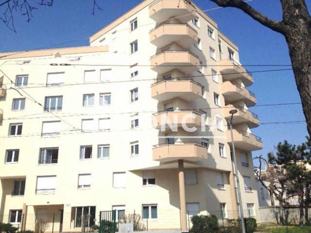 Appartement 3 pi ces louer lyon 8 me 69008 m2 foncia - Refus location appartement ...