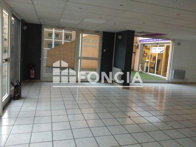 local commercial louer bourgoin jallieu 38300 m2 foncia. Black Bedroom Furniture Sets. Home Design Ideas