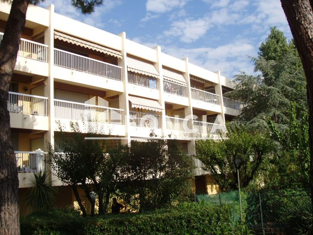 Appartement meubl 1 pi ce louer antibes 06600 18 for Location studio meuble antibes