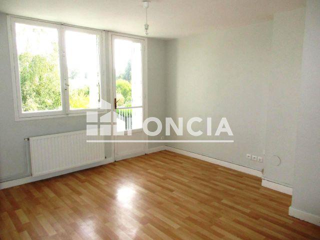 Appartement 4 pi ces louer pau 64000 m2 foncia for Location agence