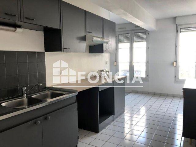 appartement 2 pi ces louer reims 51100 m2 foncia. Black Bedroom Furniture Sets. Home Design Ideas