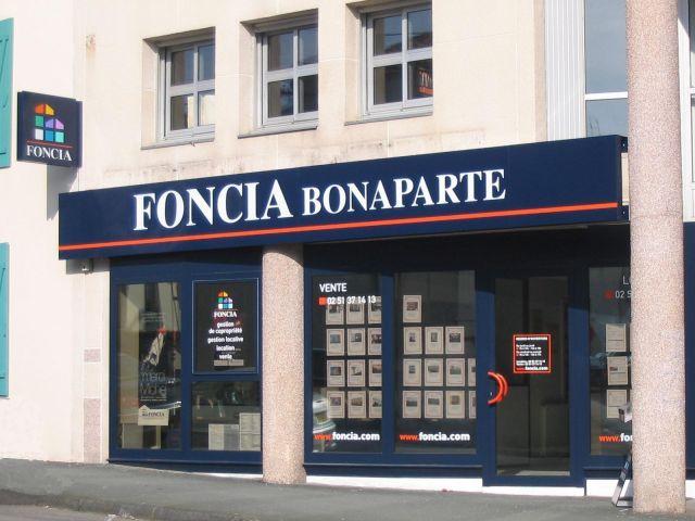 Agence immobili re la roche sur yon 85000 foncia for Agence foncia