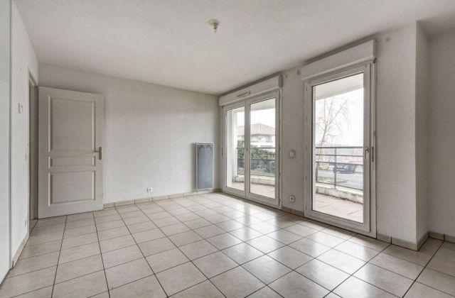 Achat appartement avec parking garage box gex 01170 for Location garage gex