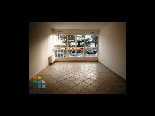Achat immobilier salon de provence 13300 foncia for Bb hotel salon de provence