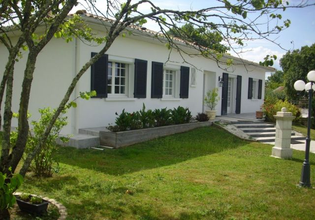 Achat immobilier yvrac 33370 foncia for Achat maison yvrac