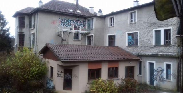 immeuble à vendre sur saint jean de bournay