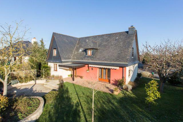 Achat maison avec terrain jardin chartres de bretagne for Achat maison jardin