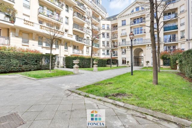 Agence immobili re issy les moulineaux 92130 foncia for Agence immobiliere issy les moulineaux