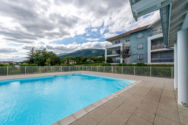 Achat appartement 2 pi ces ain 01 foncia for Piscine 01 gex