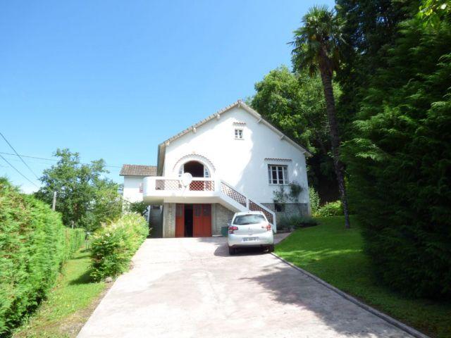 Achat maison avec terrain jardin arette 64570 foncia for Achat maison jardin
