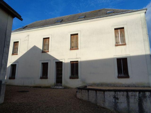 immeuble à vendre sur chateau renault