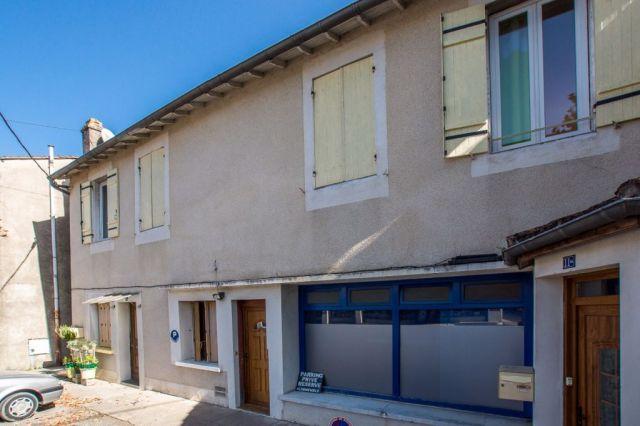 Immeuble à vendre sur Sainte Livrade Sur Lot