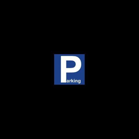 Parking 4 pièces à vendre