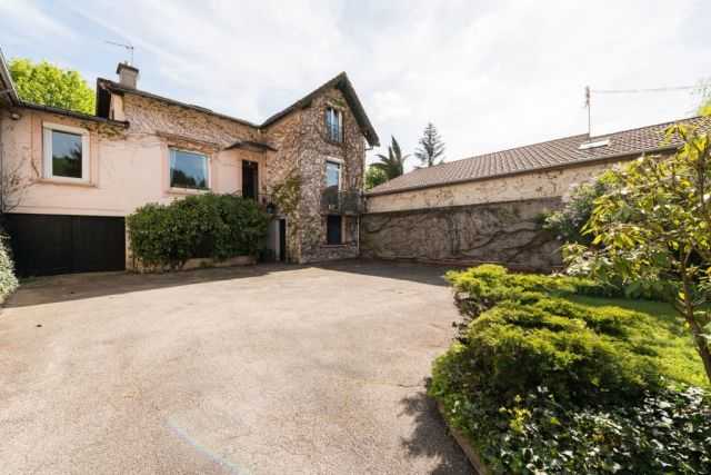 Achat maison avec balcon terrasse loire 42 foncia for Achat maison 42