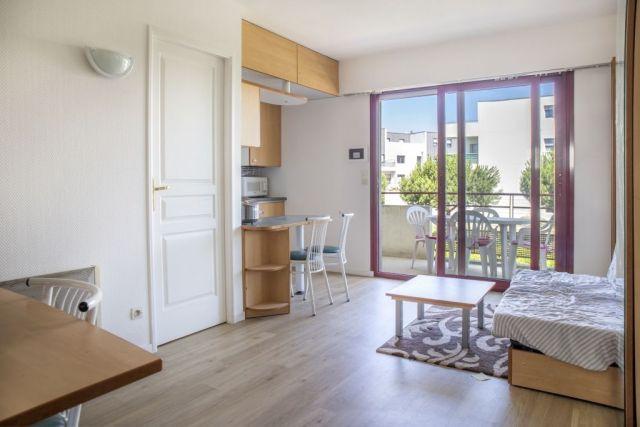 achat appartement la rochelle 17000 foncia. Black Bedroom Furniture Sets. Home Design Ideas
