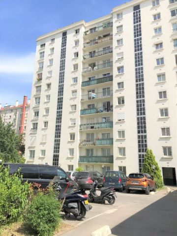 Agence immobili re montrouge 92120 foncia transaction for Agence immobiliere 85