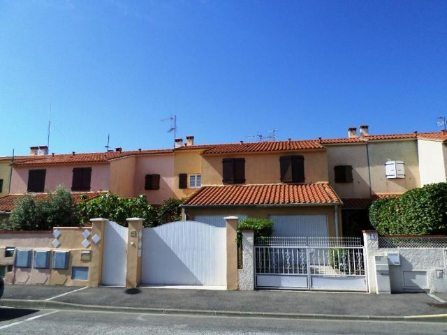 achat maison avec balcon terrasse perpignan 66 foncia. Black Bedroom Furniture Sets. Home Design Ideas