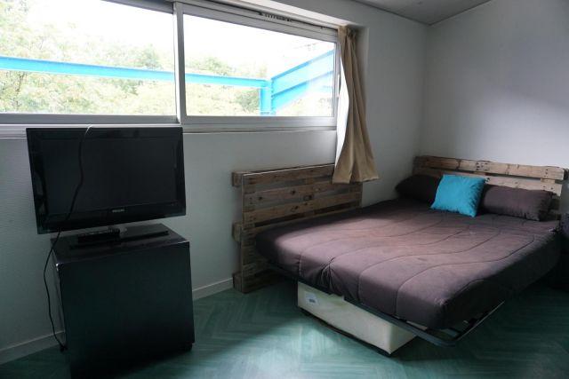 location appartement meubl la roche sur yon 85000 foncia. Black Bedroom Furniture Sets. Home Design Ideas