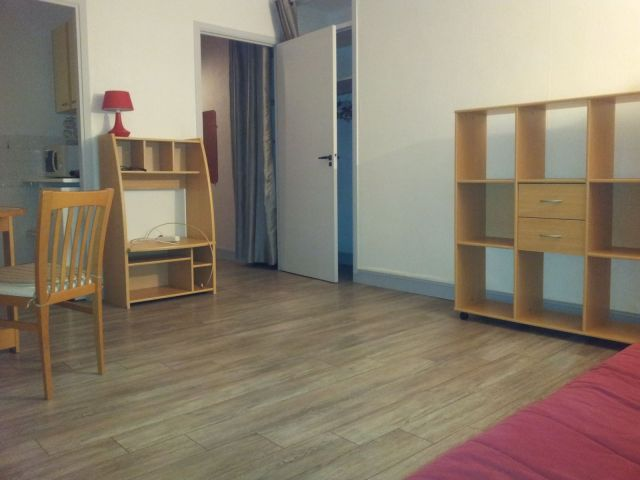 location appartement meubl orleans 45 foncia. Black Bedroom Furniture Sets. Home Design Ideas