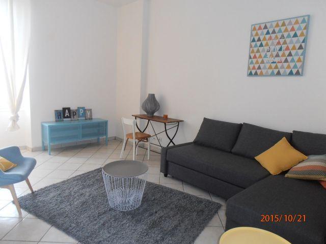 location appartement meubl chartres 28000 foncia. Black Bedroom Furniture Sets. Home Design Ideas