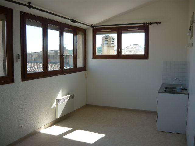 location immobili re manosque 04100 foncia. Black Bedroom Furniture Sets. Home Design Ideas