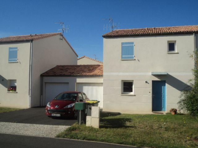 Location maison chauray 79180 foncia for Piscine chauray