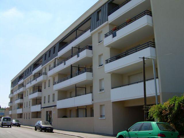 Location appartement bordeaux 33 foncia for Appartement t2 bordeaux a louer