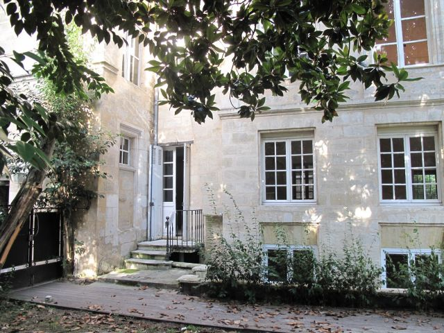 Location immobili re bordeaux 33 foncia - Garage a louer bordeaux ...