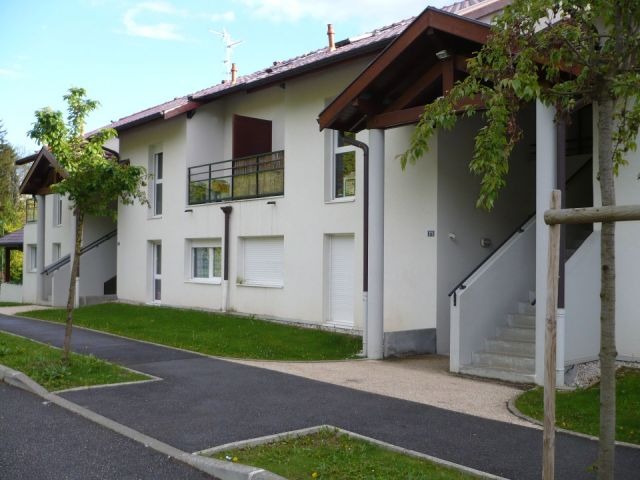 Location appartement gex foncia for Location garage gex