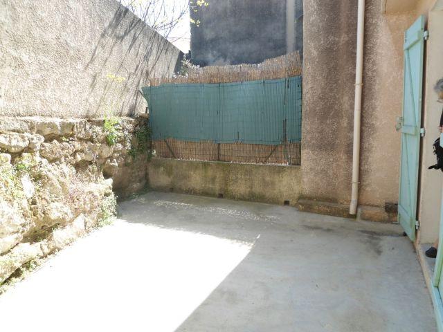 Maison à louer sur Saint Mitre Les Remparts