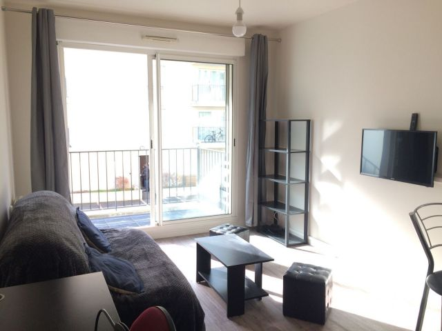 Location appartement meubl bordeaux 33 foncia for Appartement meuble bordeaux