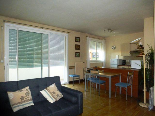 location appartement meubl nimes 30 foncia. Black Bedroom Furniture Sets. Home Design Ideas