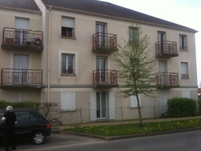Location immobili re roissy en brie 77680 foncia for Garage ford roissy en brie