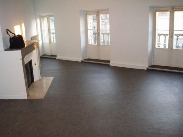 Location appartement bordeaux 33 foncia for Appartement bordeaux hopital pellegrin