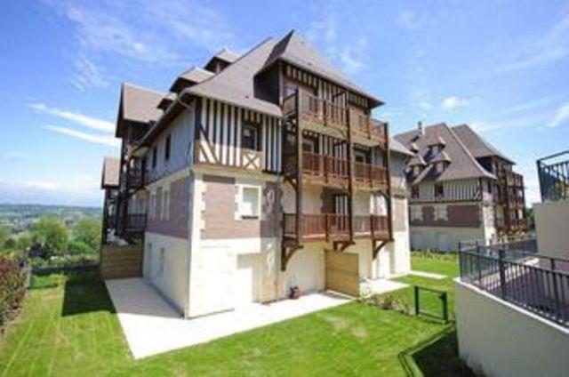 location appartement deauville 14800 foncia. Black Bedroom Furniture Sets. Home Design Ideas