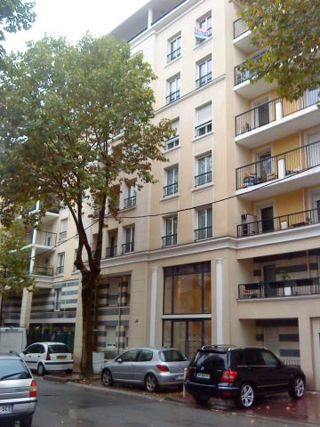 Location appartement montrouge 92120 foncia for Garage chatillon montrouge