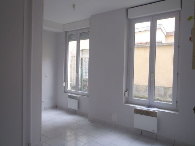 location immobili re reims 51100 foncia. Black Bedroom Furniture Sets. Home Design Ideas