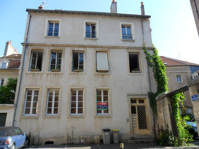Location appartement 2 pi ces cote d or 21 foncia for Location appartement bordeaux pellegrin t2